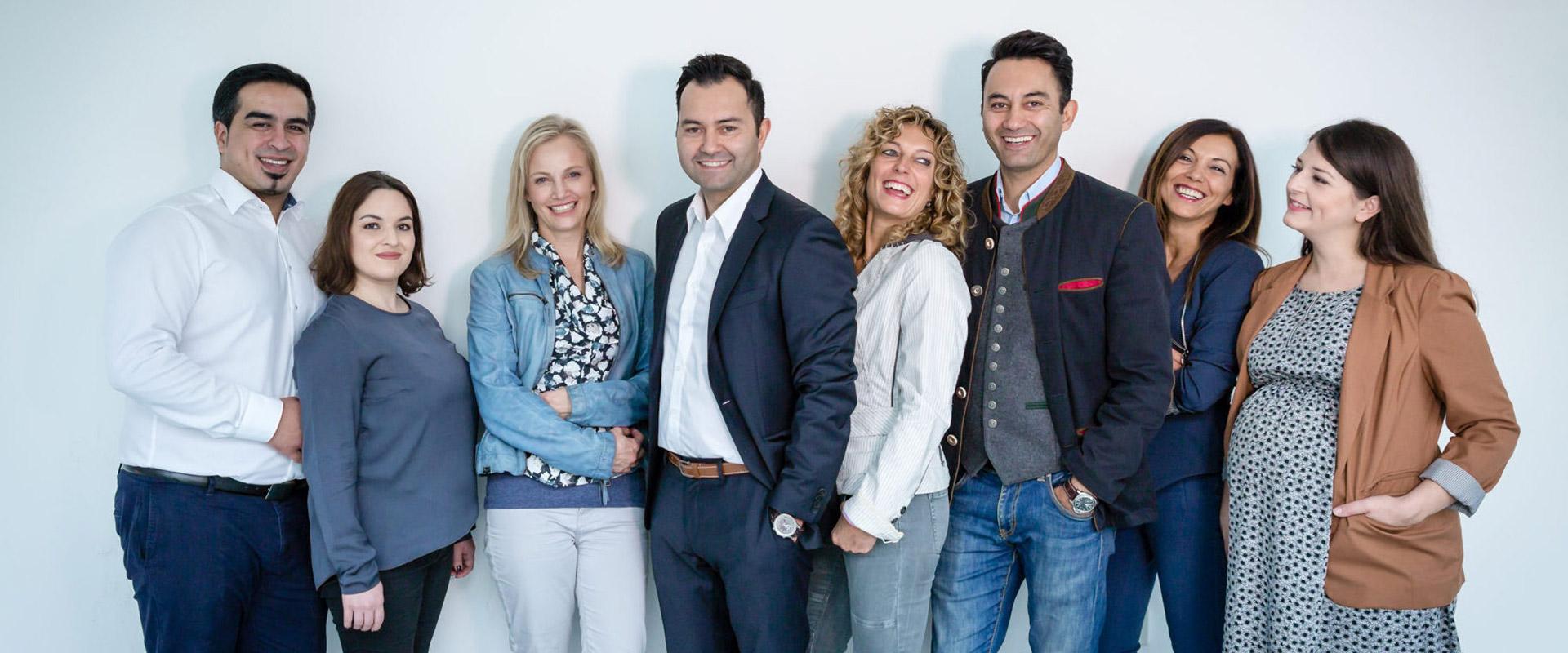 Das Team von FLH network
